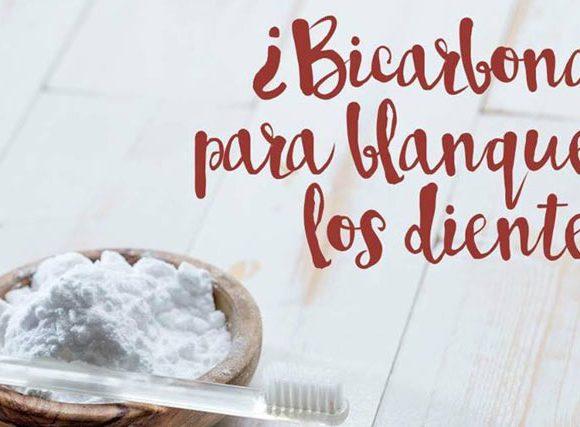 ¿Es bueno el bicarbonato para blanquear los dientes?